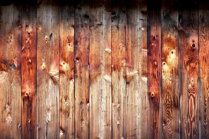 Farba na drevo a jej nanášanie v dvoch vrstvách